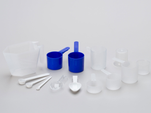 scoops and measuring cups